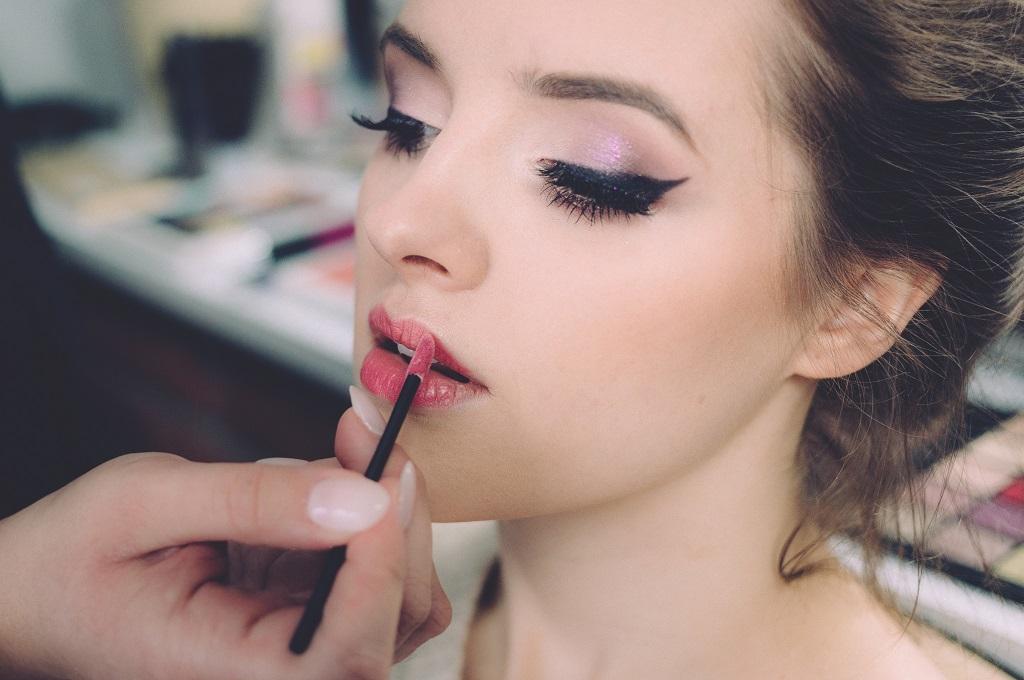 old lipstick into lipgloss
